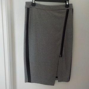 Worthington Black/White Zipper Front Pencil Skirt